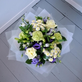 Macy courier flowers delivery uk