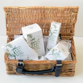 Herbis Botanical bath hamper